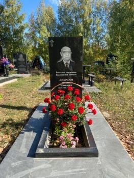 Аллея Славы на Архангельском кладбище в Заволжском районе Ульяновска
